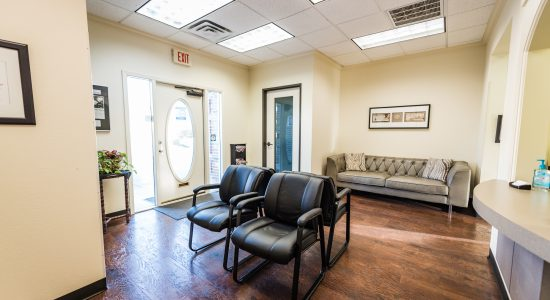 Velocity-Physical-Therapy-Denton-Waiting-Room-009