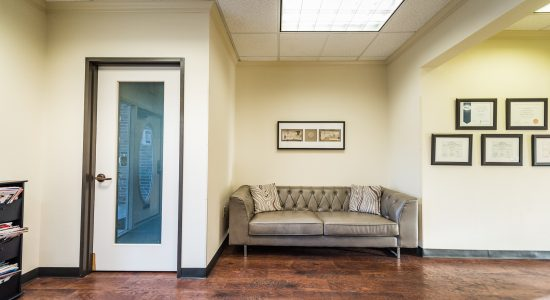 Velocity-Physical-Therapy-Denton-Waiting-Room-011